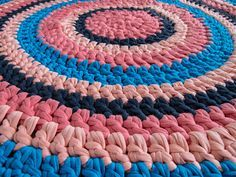 Colors & Creations: DIY: rundt, hæklet tæppe