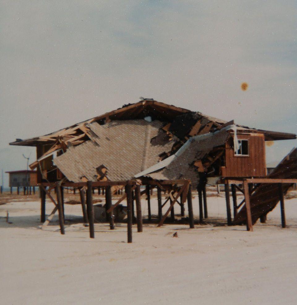 Hurricane Frederic Eula And Tommy Gibbs With Images Dauphin Island Hurricane Island