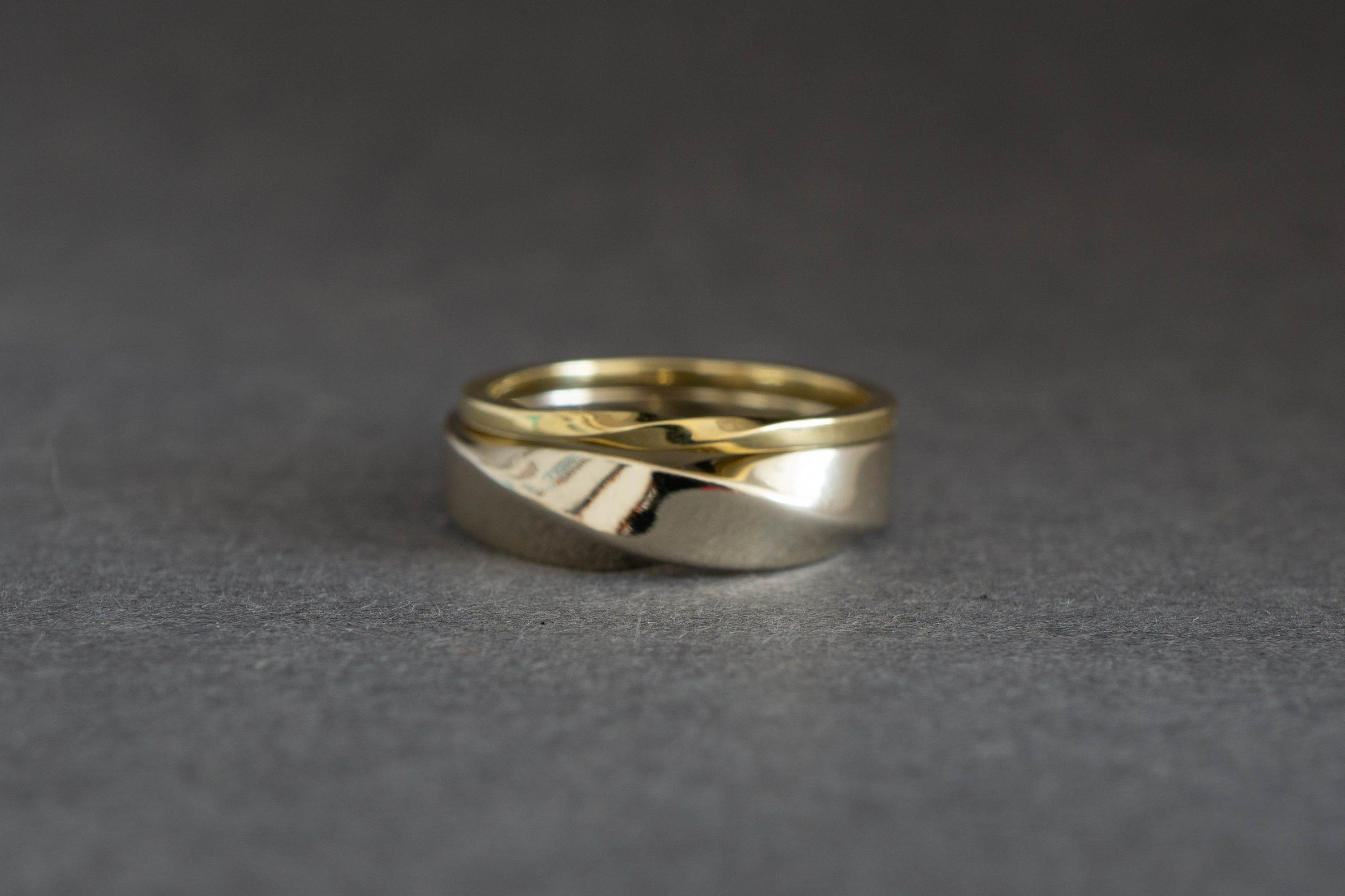 Twist Shout Matching Wedding Bands His And Hers 14k Gold Etsy Couples Ring Set Couple Rings Gold Gold Wedding Band Sets