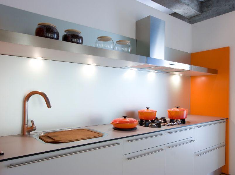 Conseils pratiques pour choisir la bonne hotte de cuisine - Hotte de cuisine stainless ...
