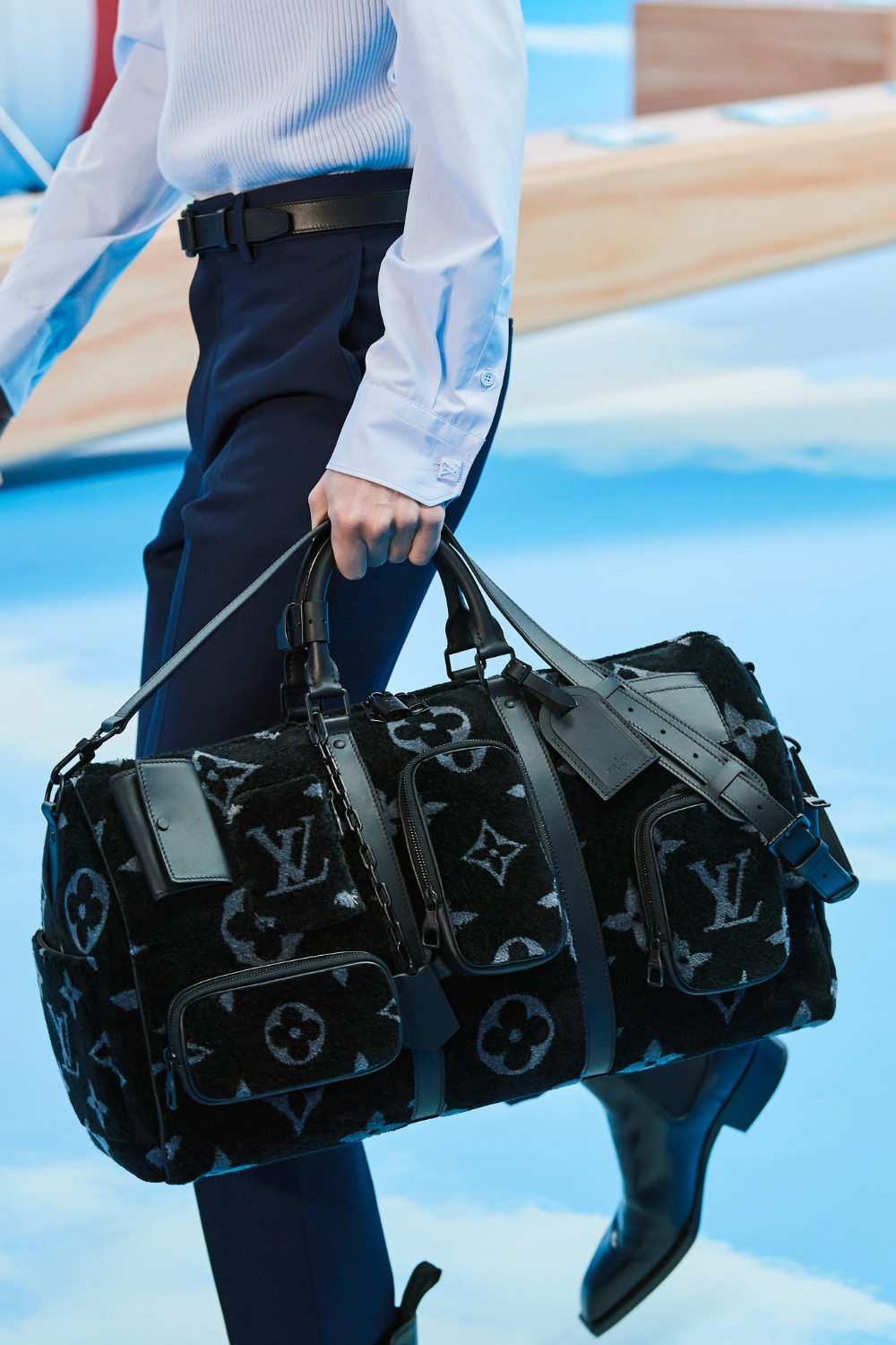 Louis Vuitton Fall 2020 Menswear Collection Vogue In 2020 Louis Vuitton Men Louis Vuitton Shoes Louis Vuitton