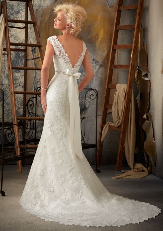 Mori Lee 1901. Obsessed with the bow.