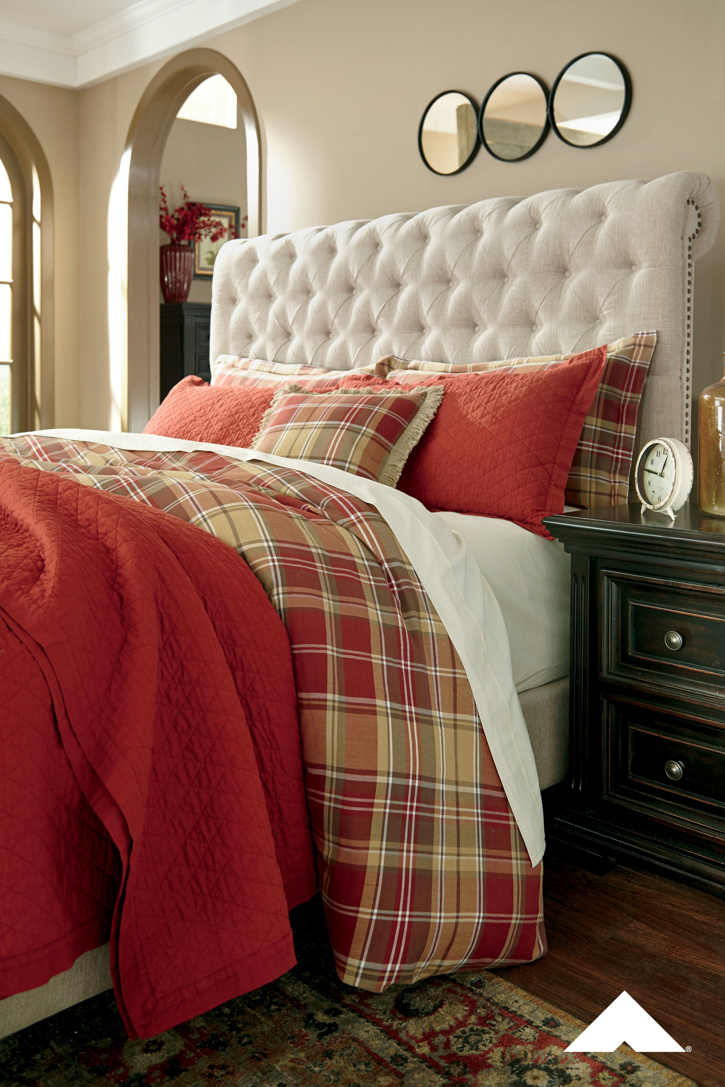 Danail Red Gold Green Duvet Cover Set By Ashley Furniture This