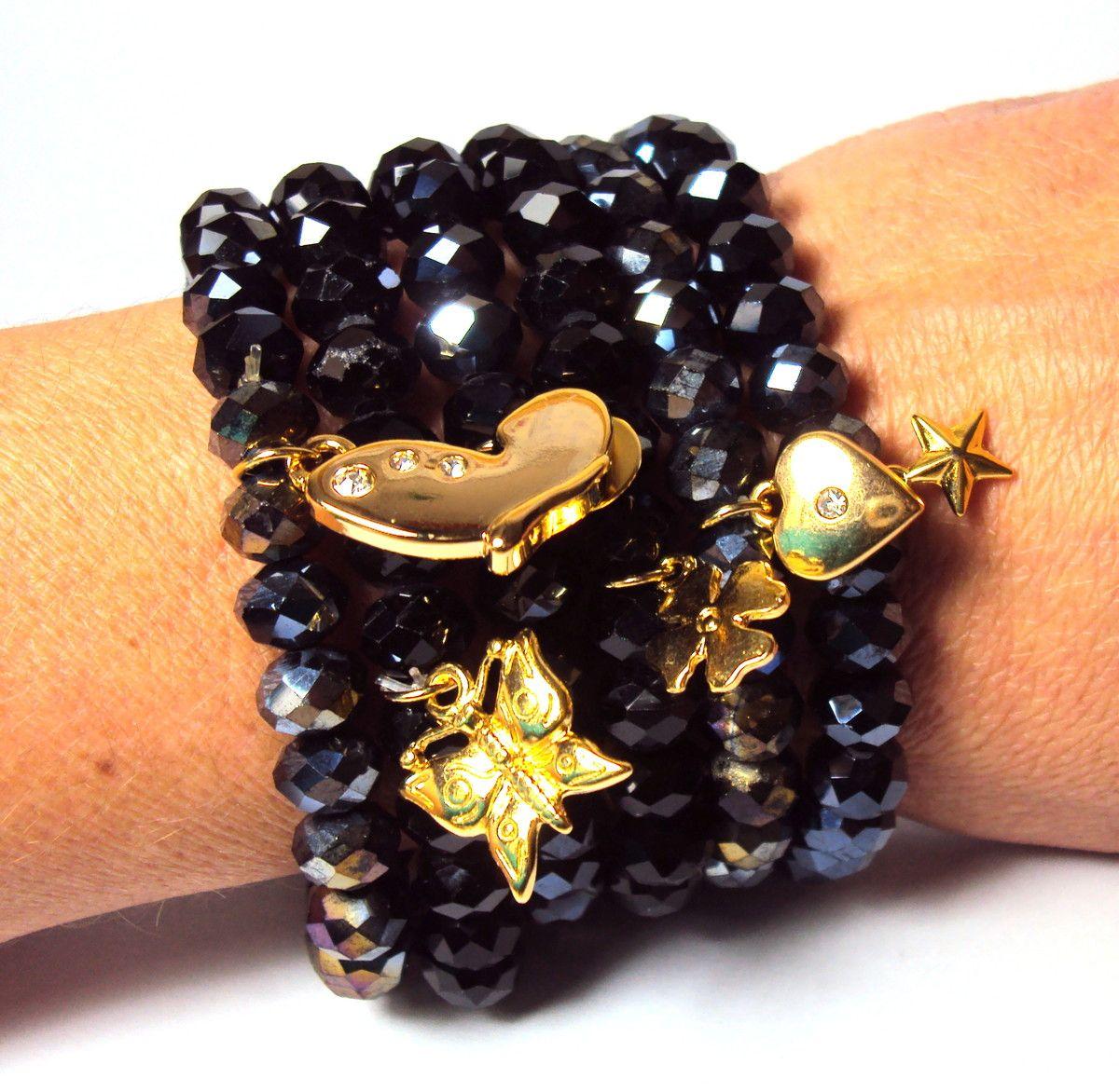 Conjunto com 6 pulseiras em cristal. <br>Delicados pingentes de trevo, estrelinha, borboleta e coraçãozinho que dão o charme nessa pulseira!
