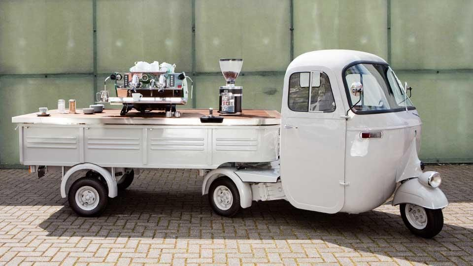 mobile espressobar auf einem 1961er ape pentaro. Black Bedroom Furniture Sets. Home Design Ideas
