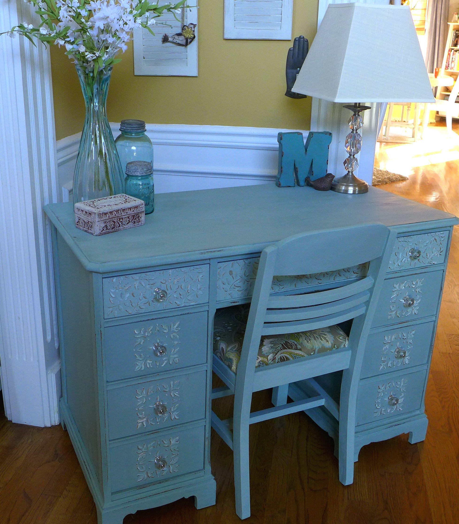 maison blanche la craie creme de menthe and robin 39 s egg blue chalk paint glacage was on the. Black Bedroom Furniture Sets. Home Design Ideas