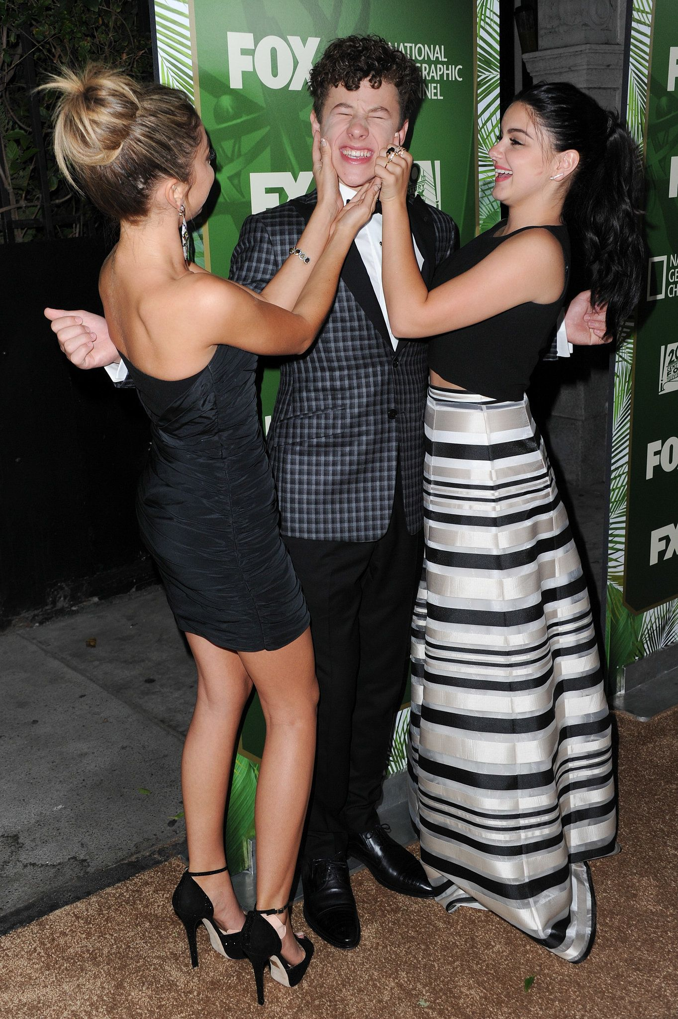 Photo of Sarah Hyland and Ariel Winter had a sweet moment with their screen Best night ever? These stars had the most fun after the Emmys