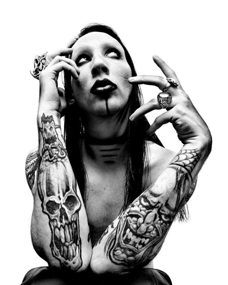 Marilyn Manson. I find him strangely and highly attractive. Extremely beautiful in his own special way...