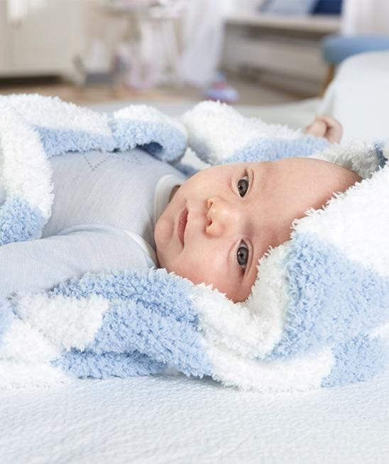 Diese Kuschelig Flauschige Patchworkdecke Aus Schachenmayr Baby