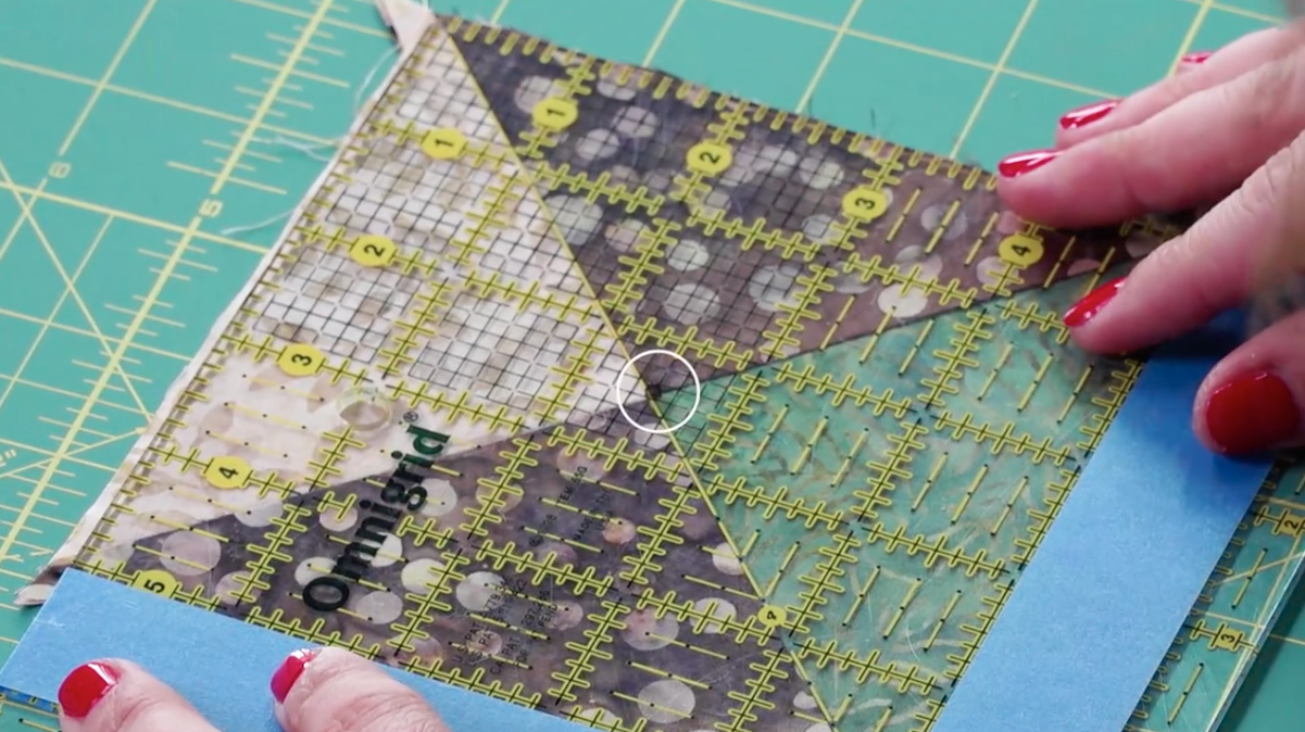 A Hack To Easily Square Up Quilt Blocks Quilting Techniques Square Quilt Diy Quilt