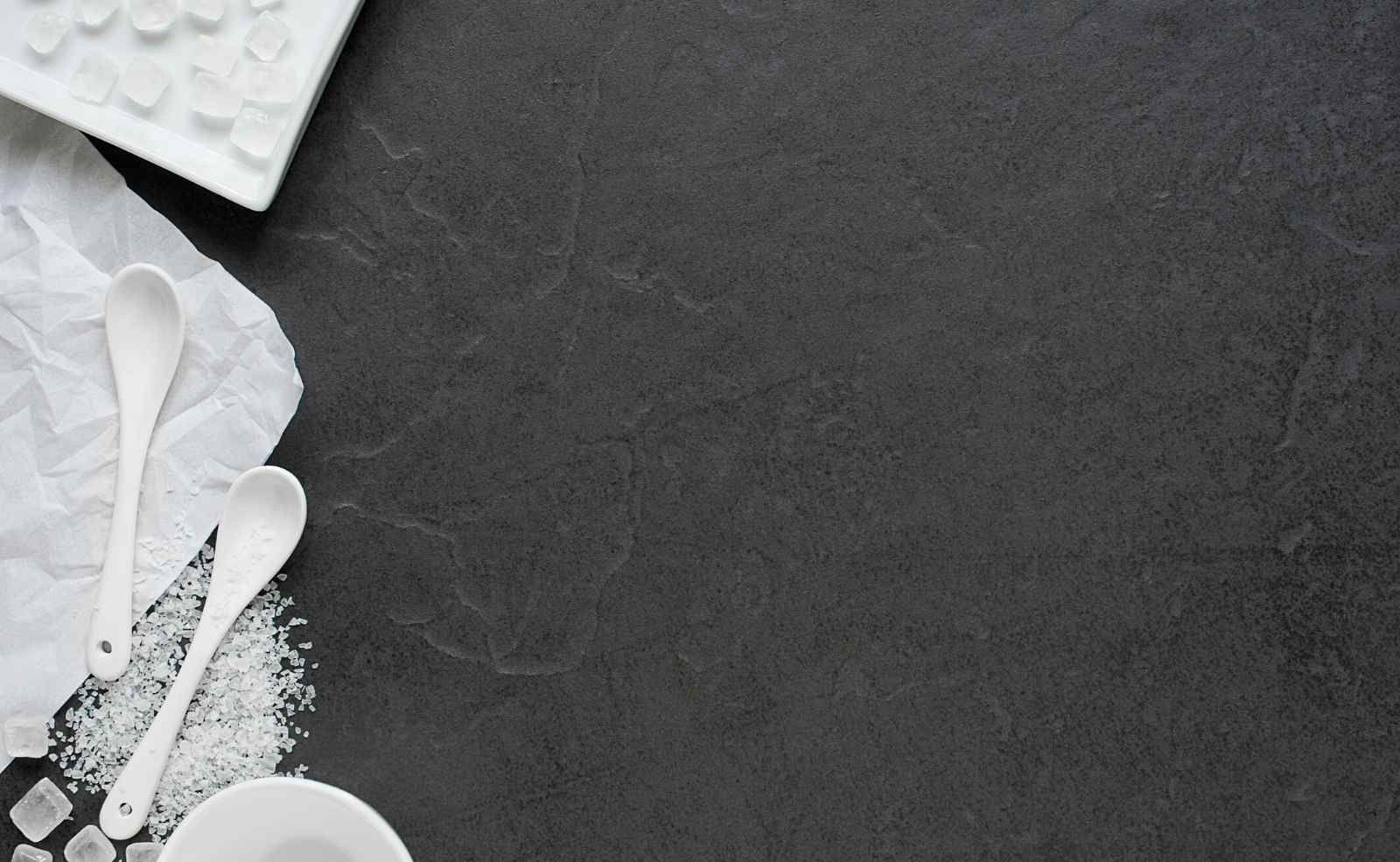 Arbeitsplatten Aus Quarzkomposit Vorteile Nachteile Marken Hersteller Reinigung Und Pflege Kuchenfinder In 2020 Arbeitsplatte Natursteine Kuche