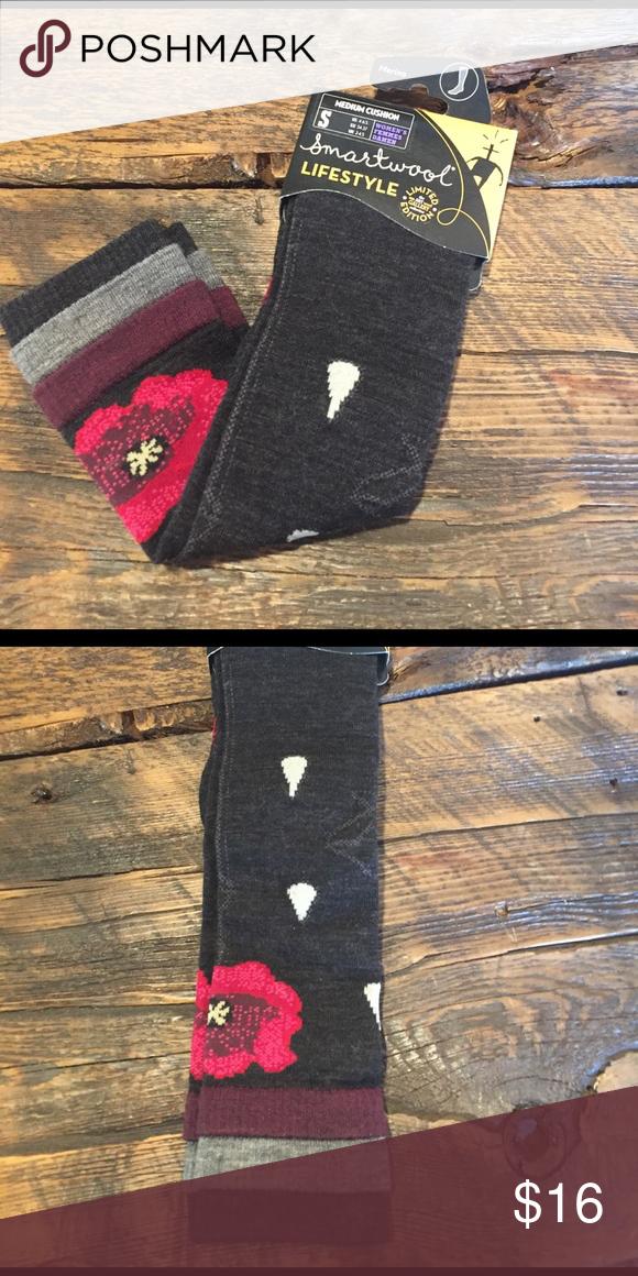 Smartwool Ski Socks - NEW SmartWool socks - new in packaging! Medium