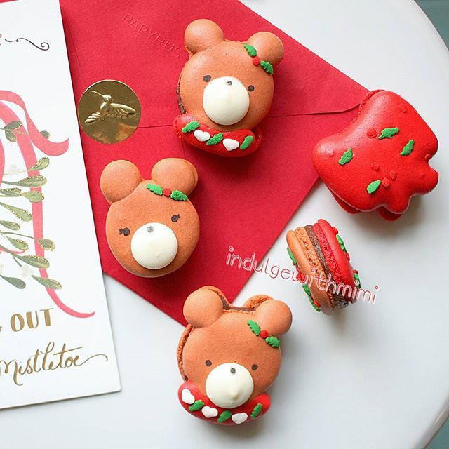 Surprisingly Easy Christmas Bear Macarons with Free Macaron - macaron template