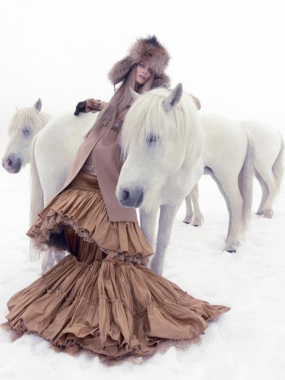 ponies! vogue china 2005 | Vogue | Pinterest | Caballos, Nieve y Pasión