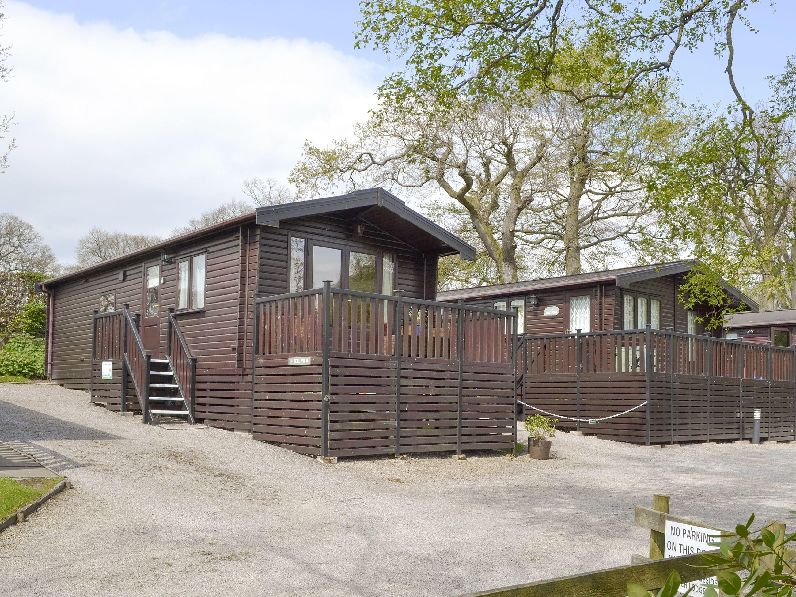 Fell View Lodge Burnside Park Ref Cc111168 In Keswick Cumbria