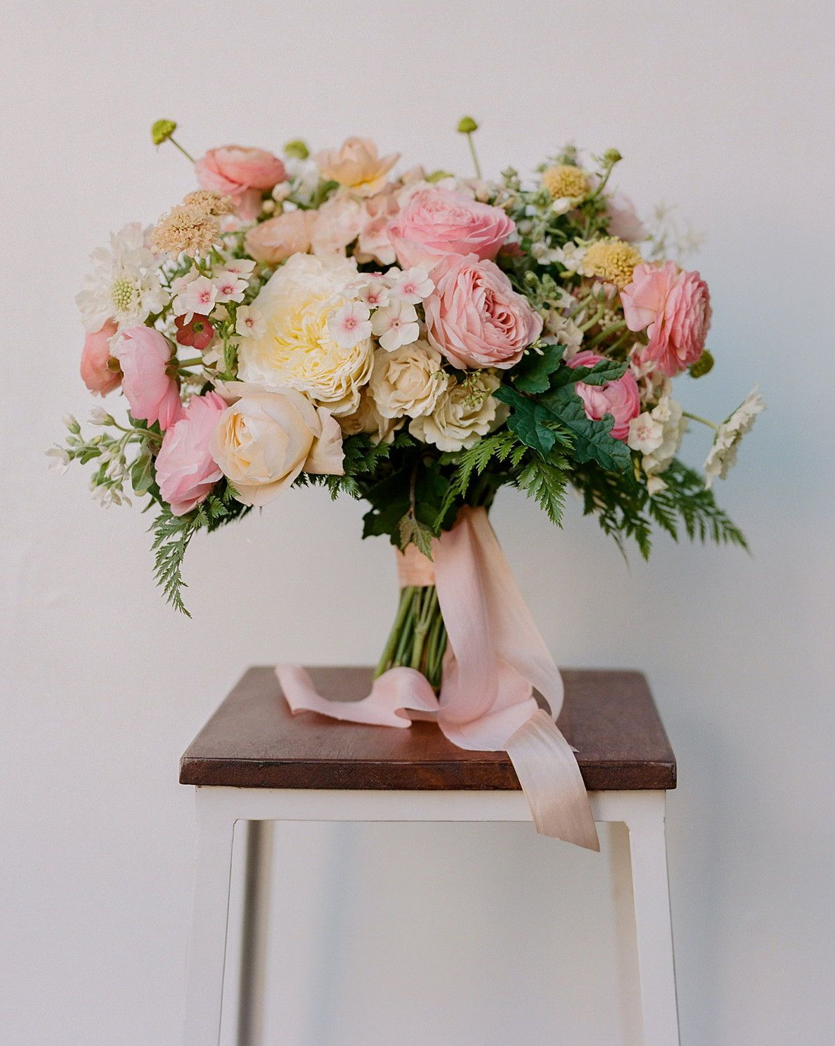 Rose Wedding Bouquets For Every Budget From 100 To 500 Lilac Wedding Bouquet Wedding Flower Arrangements Wedding Bouquets