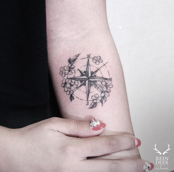 42 Friggin Amazing Compass Tattoos Tattoos On Women Tattoos
