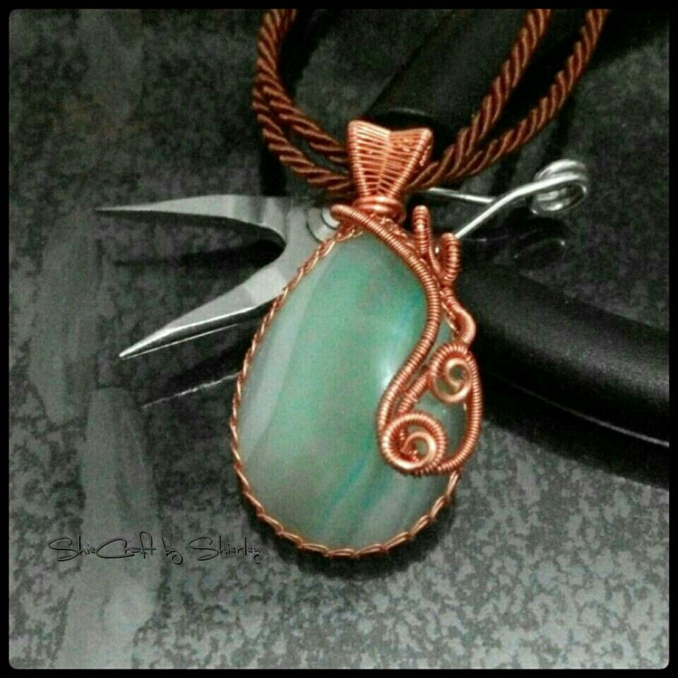 ~IjoNom~  #necklace #wireworking #wirejewelry #wirecraft #wirecreations #wirewrap #jewellery #jewelry #handmadefun #creative #handcraft #handmade #craftmaster #craft #woman #wirefashion #fashion #wireartist #wireart #art #artcraft #cabhocon #ShieCraft
