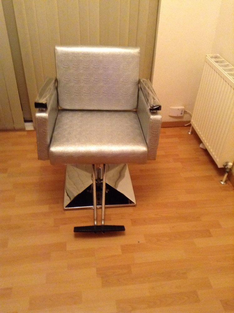 Barber/tattoo/hair dresser/threading/ make-up chair ...
