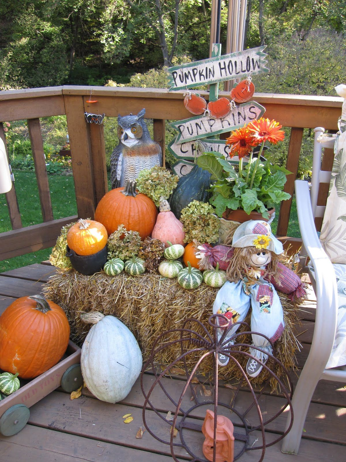 Hay Decoration Fall Hay Bale Decorating Ideas The Lazy Peacock Fall