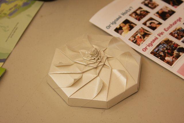 box tomoko fuse origami box and origami boxes. Black Bedroom Furniture Sets. Home Design Ideas