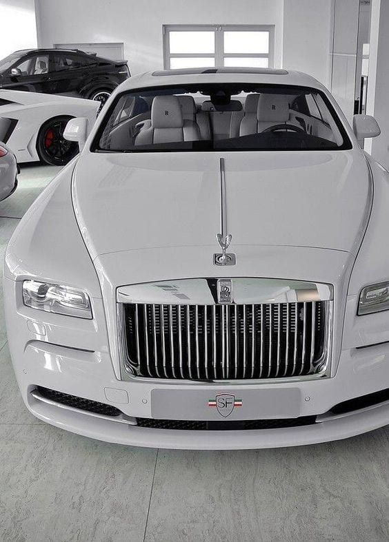 23 Superb White Rolls Royce Photos You Will Love!