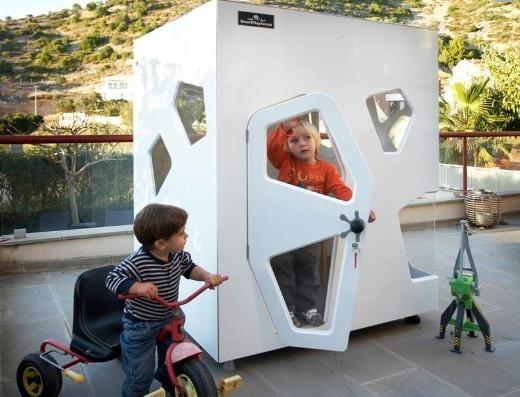 une cabane pour les enfants de parents fans de design, je vais ...