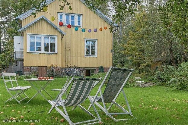 Talo Puu-Käpylässä etsii uusia asukkaita. Talossa on kolme kerrosta, kaksi kylpyhuonetta ja toimiva puu-uuni sekä kakluuni. Suuri ja rauhallinen piha, missä vuodenaikojen vaihtelu näkyy keväisin suurt