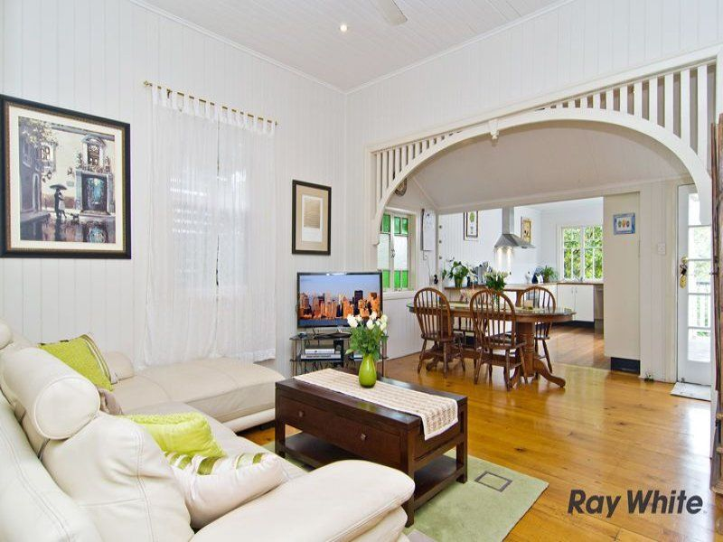 Love old queenslander arches queenslander homes for Queenslander living room ideas
