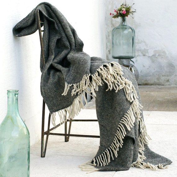 Cream Fringed Gray Wool BlanketPure WoolWarm blanketWool por IKIKIZ