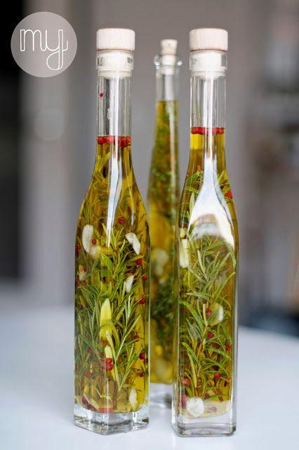 diy herb oil kr uter l yum pinterest l. Black Bedroom Furniture Sets. Home Design Ideas