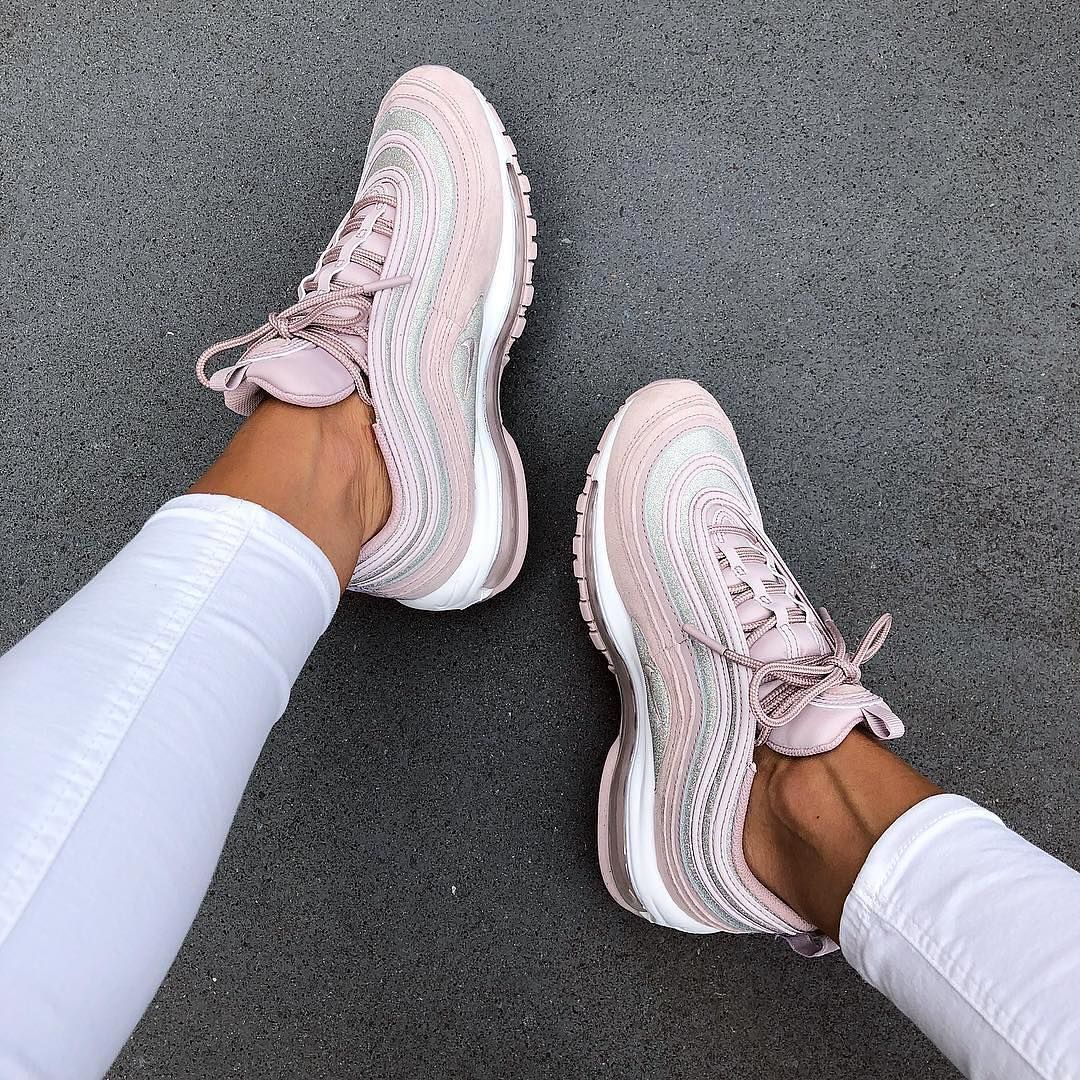 Nike Airmax 97 x Essential • These are
