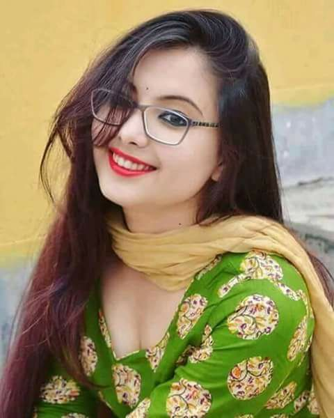 Pakistani high commercial girls pics #1