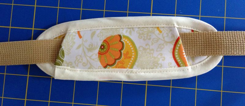 Sew a Shoulder Pad for Your Bag Strap - Free Tutorial & PDF Pattern by charmed Liebling + Bonus Video