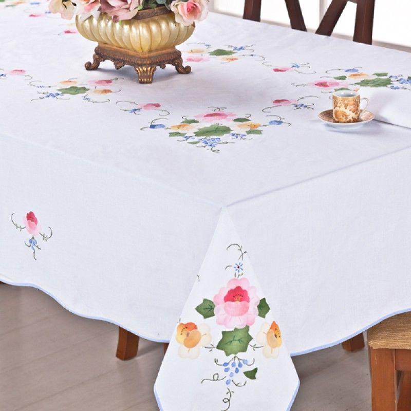 toalha de mesa em patchwork bordada a mão