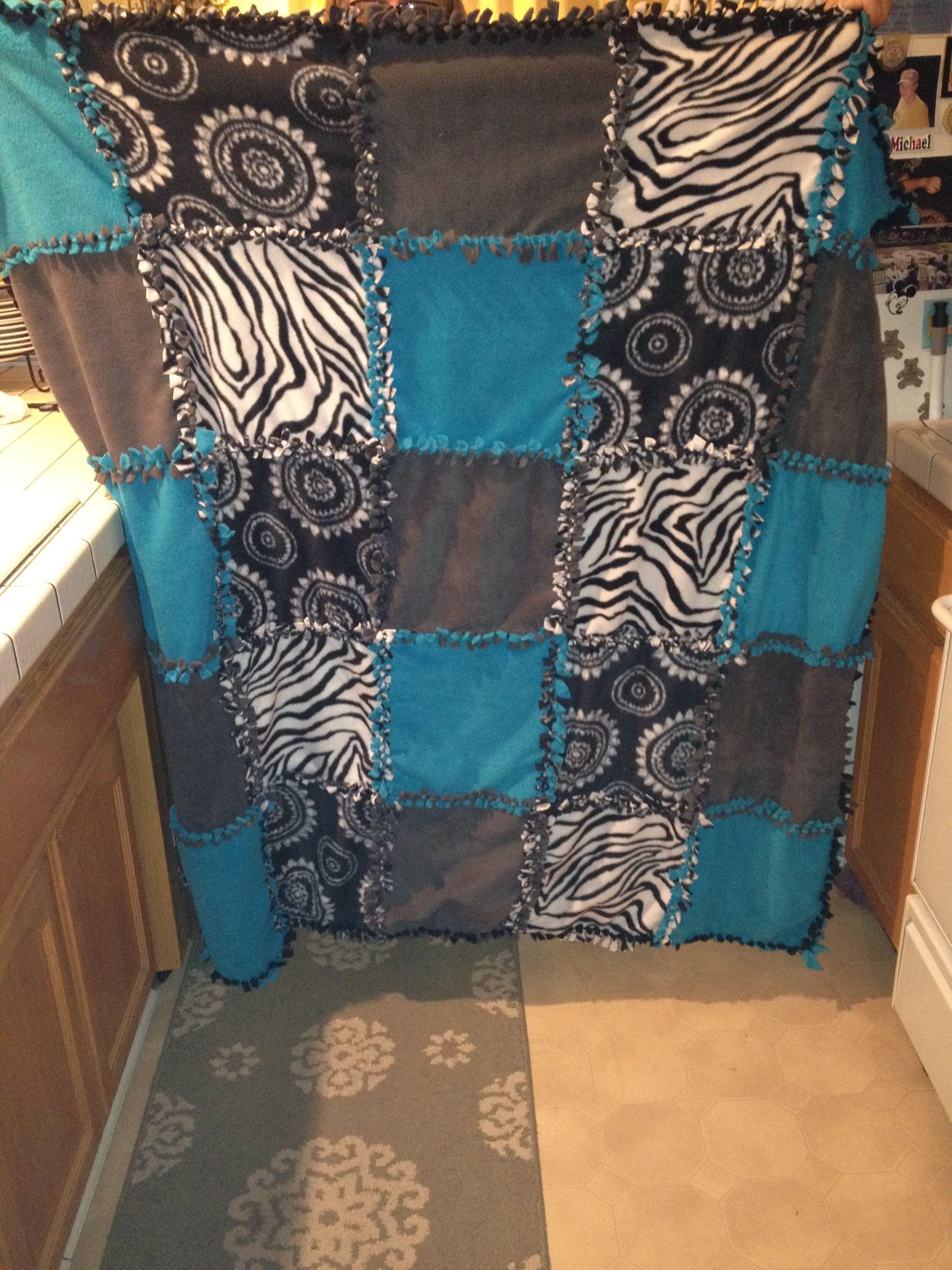 Tie Blanket Quilt I Like This Pattern Blanket Diy Fleece Tie Blankets Tie Blankets