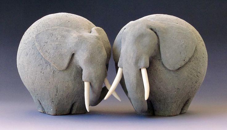 Elefantenfreunde. Keramik, Unterglasur. Fred Yokel - #Buddies #Ceramic #Elephant... -  - #Buddies #Ceramic #Elefantenfreunde #Elephant #Fred #Keramik #Unterglasur #Yokel #clay