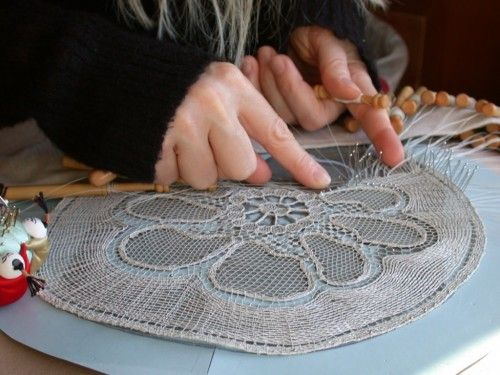 Make Lace Not War - Love Lace :: Lenka Suchanek: bobbin lace
