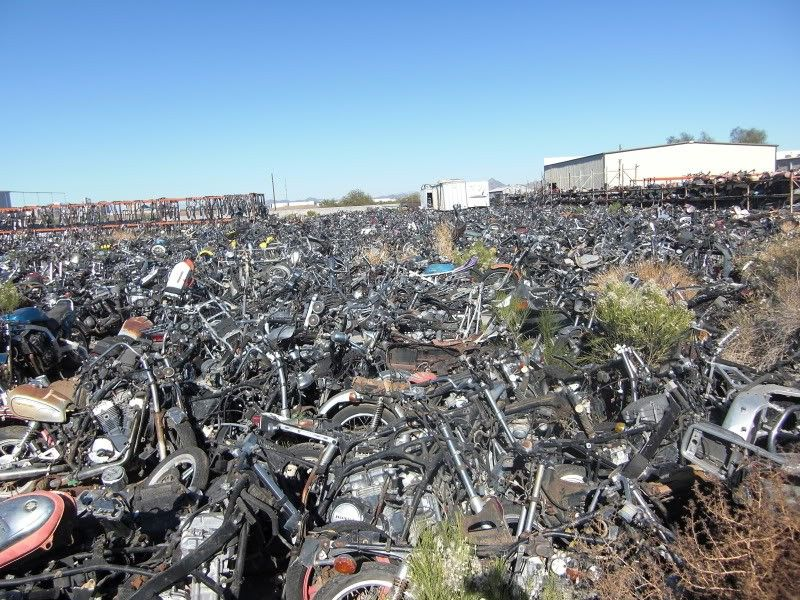 Motorcycle Junk Yard I Would Pay To Tour This Abandoned Cars Junkyard Old Motorcycles