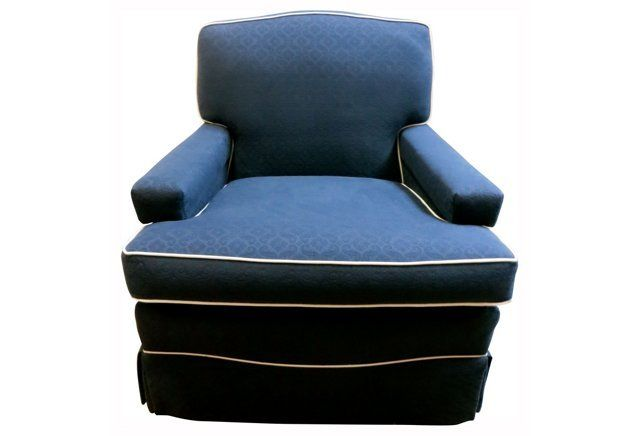 Best Navy Blue Cream Club Chair W Pillow Club Chairs 400 x 300
