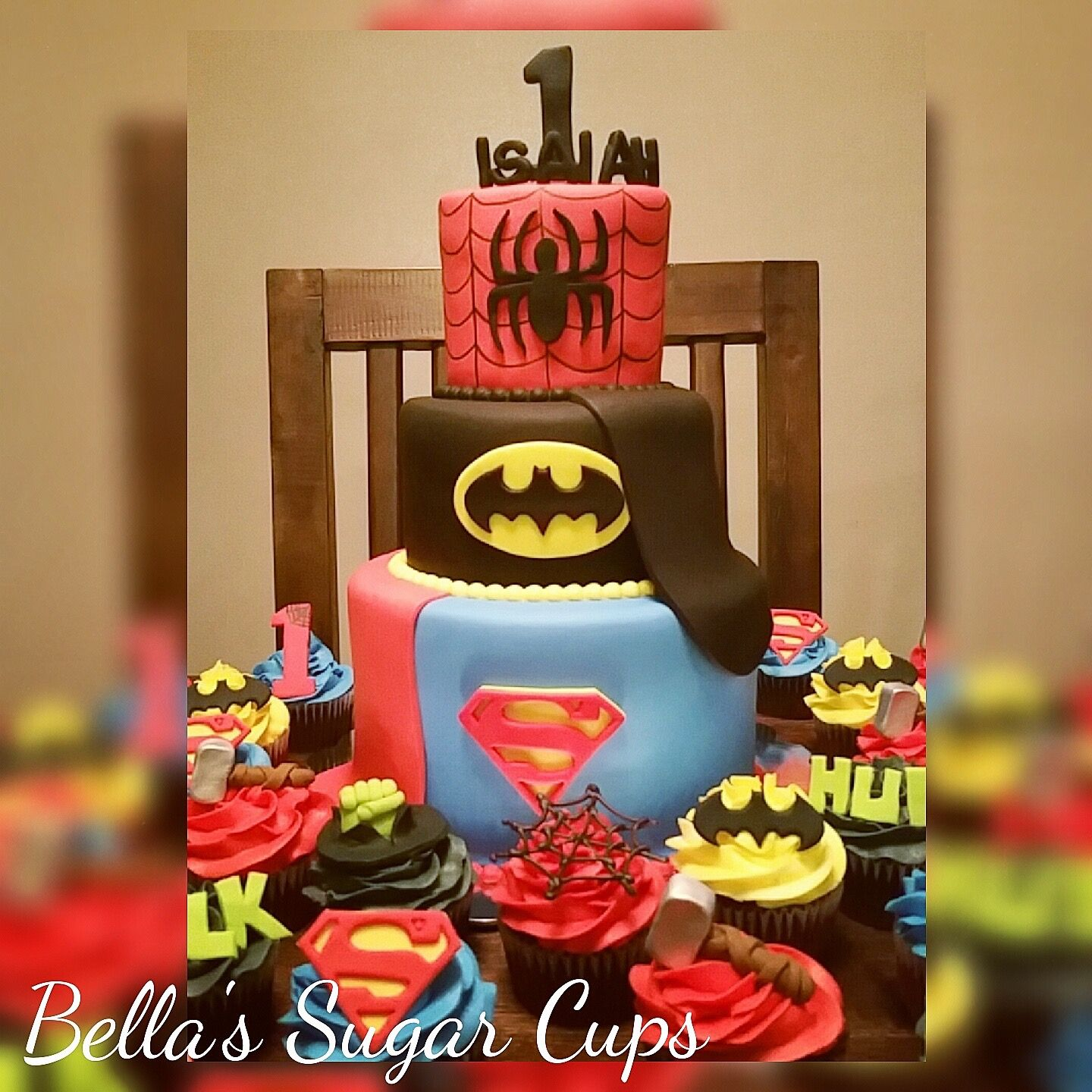 Bella's Sugar Cups offering Designer Cakes, Cupcakes and Chocolate Covered Strawberries for all occasions. Message Christina Rodriguez at 661.348.8472 Thank You! 😍