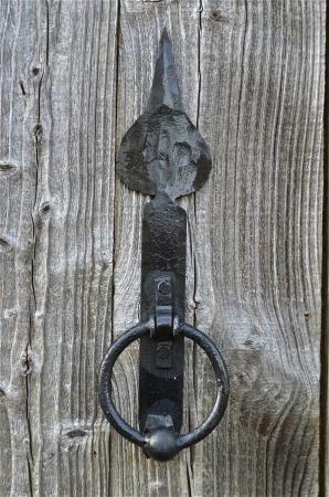 HAND FORGED WROUGHT IRON ENGLISH SPEARHEAD DOOR KNOCKER BLACKSMITH MADE SHK1