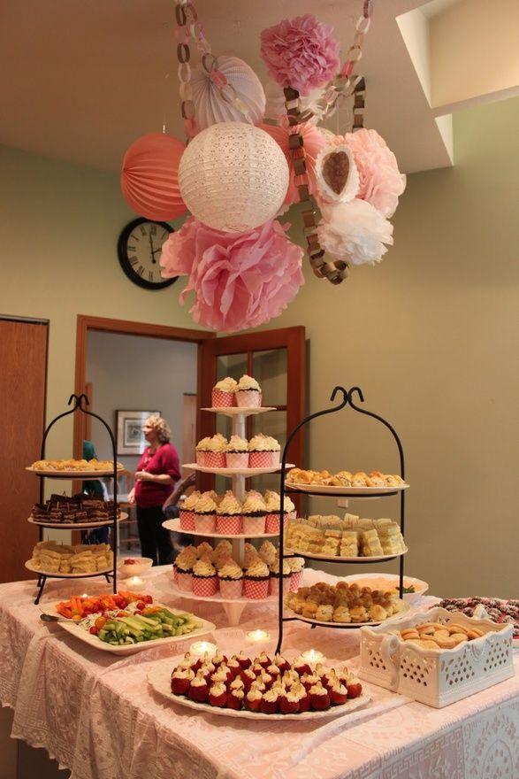 """Mesa de dulces para una """"baby shower"""""""