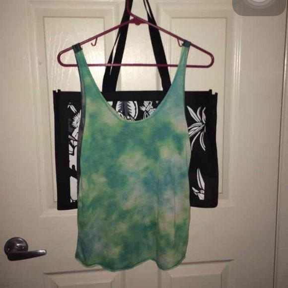 Trade only !Tie dye Hurley tank top Never worn! Lightweight! Cute reverse hi low! Trade only !! Hurley Tops Tank Tops