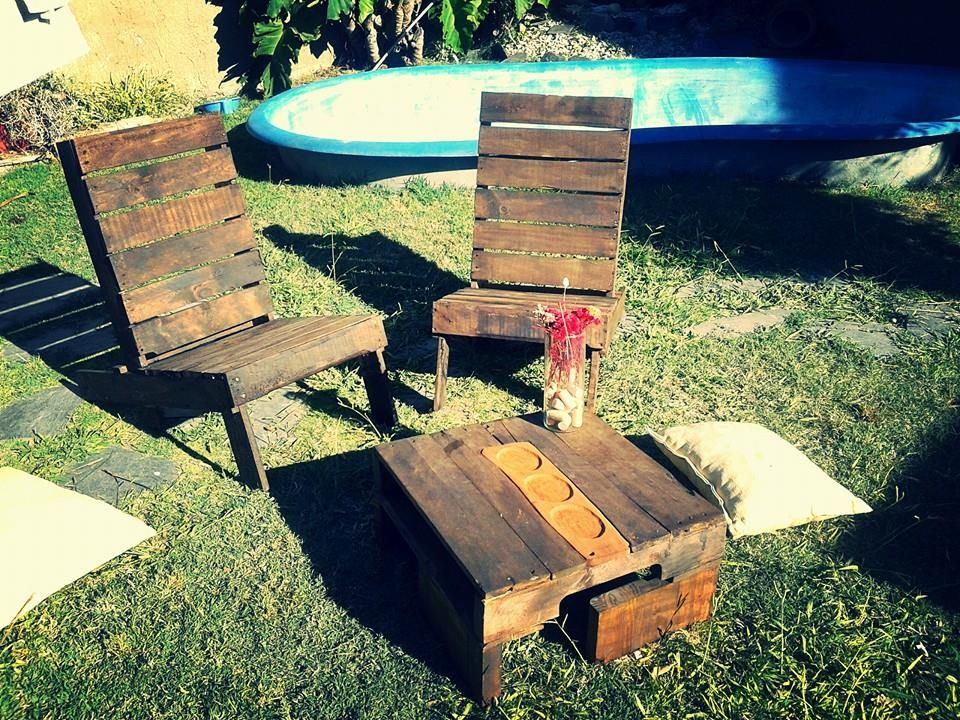 Rustic Pallet Outdoor Chairs And Coffee Table | 99 Pallets