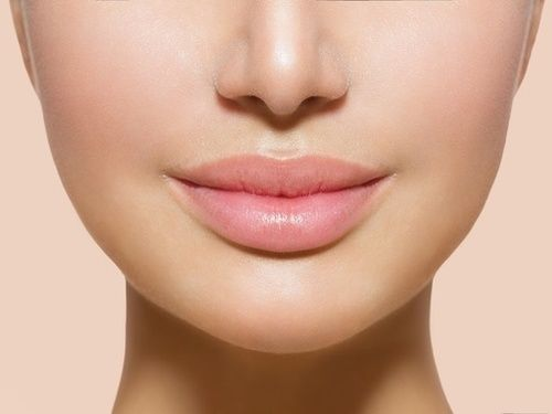 Don't forget to use sunscreen on your Lips!  Here are your best bets for Lip Balms with Spf! #skincare #over40 #lips #spf