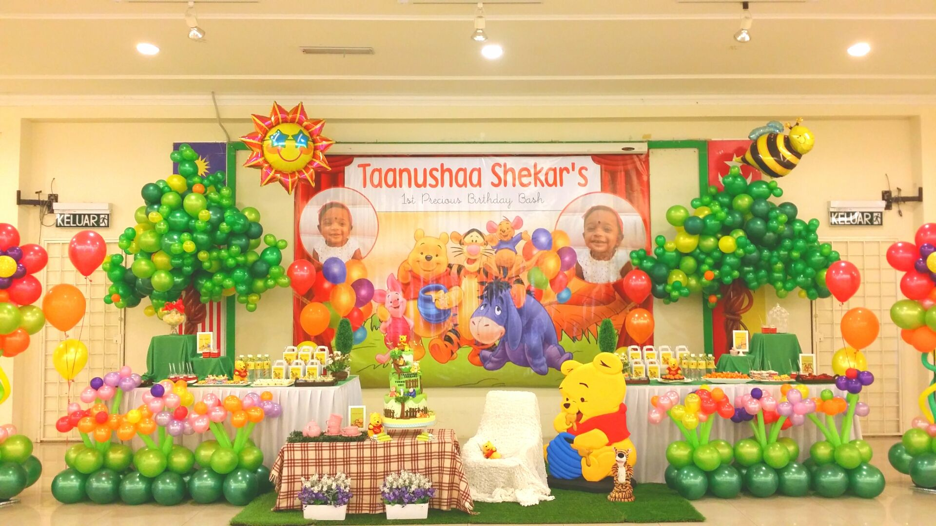 1st birthday party stage decorations - Google Search | 1st Birthday ...