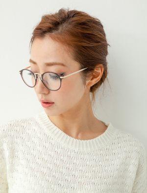 ボード Glasses Girl のピン