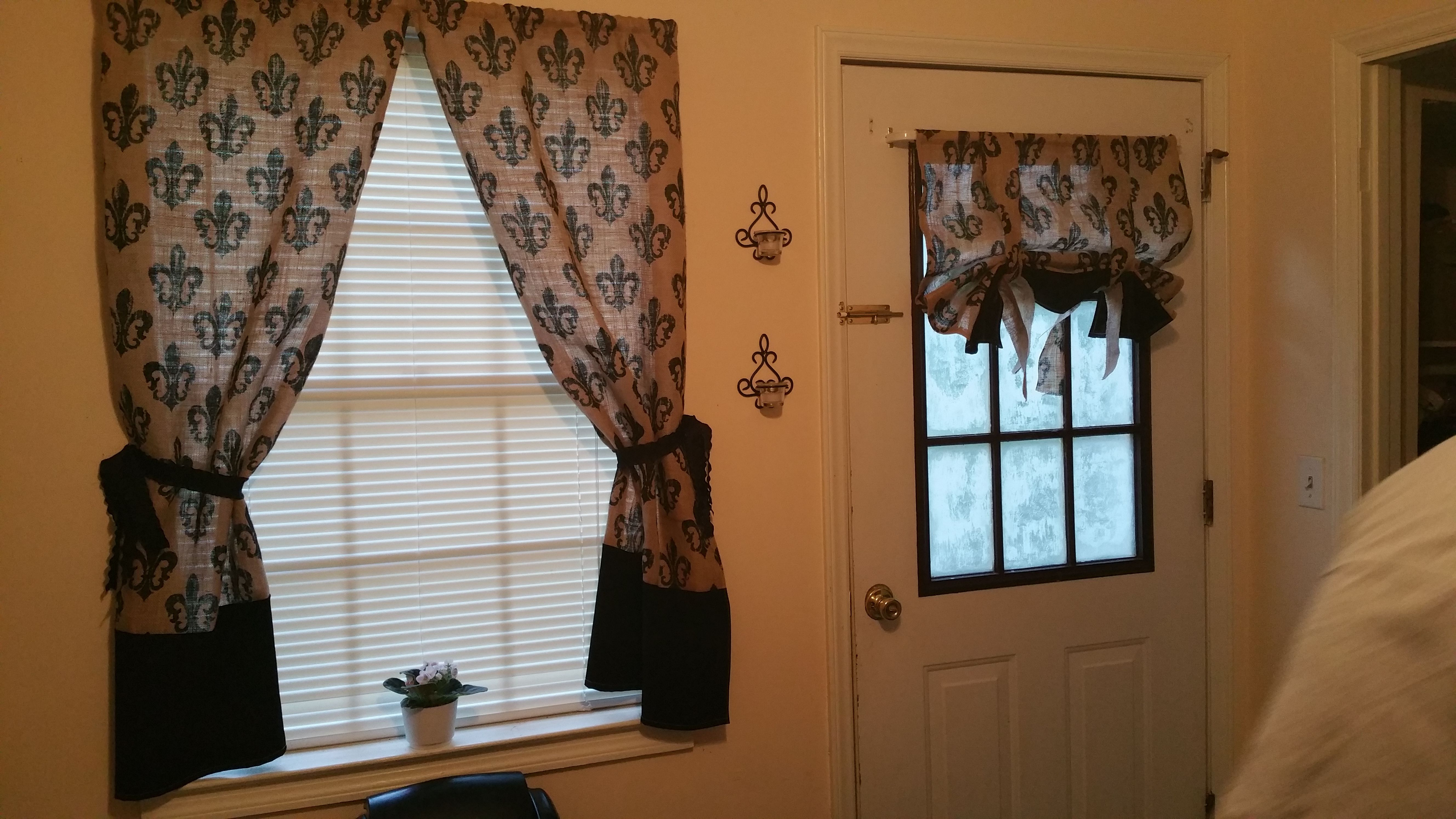 Diy burlap kitchen curtains almost finished just need to add some black ribbon to hold
