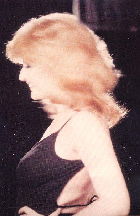 Mina mazzini mb beauties italia italiano e divas - Porno dive anni 90 ...